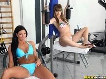Sex strip Ladies at the gym