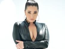 Sex strip Brunette